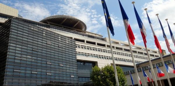 Emmanuel Macron, ministre des finances: Non au détournement de l'assurance vie en euros !