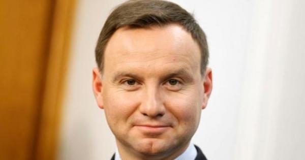 Do Prezydenta Rzeczypospolitej Polskiej, Pana Andrzeja Dudy. : Wzywamy Pana do trwania na urzędzie Prezydenta i walki o Polskę.