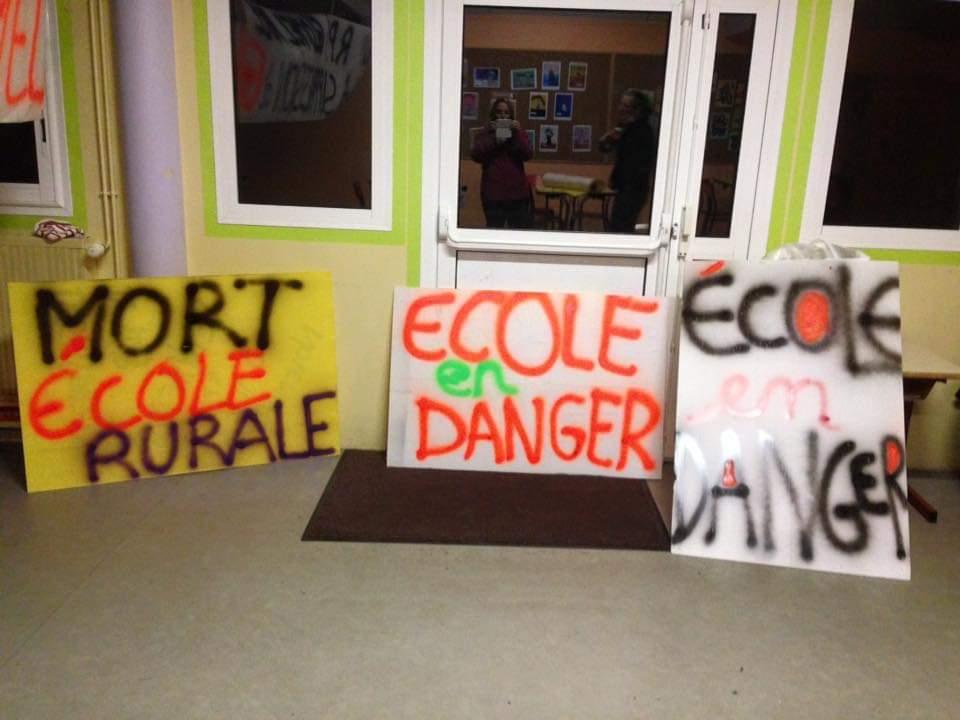 Non à la suppression d'un poste d'enseignant à l'école Bod Lann de Glomel