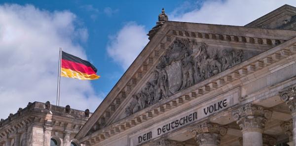 Deutsche Frauen! Deutsche Männer! Deutsches Volk!: Volksinitiative